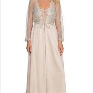 Flora Nikrooz Blush  Charmuse Long Robe Size S